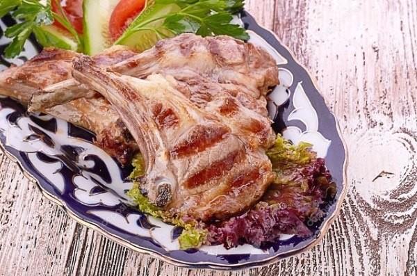 Баранина на гриле с овощами