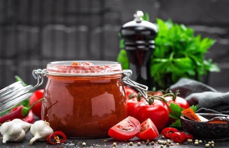 Острый томатный соус к шашлыку