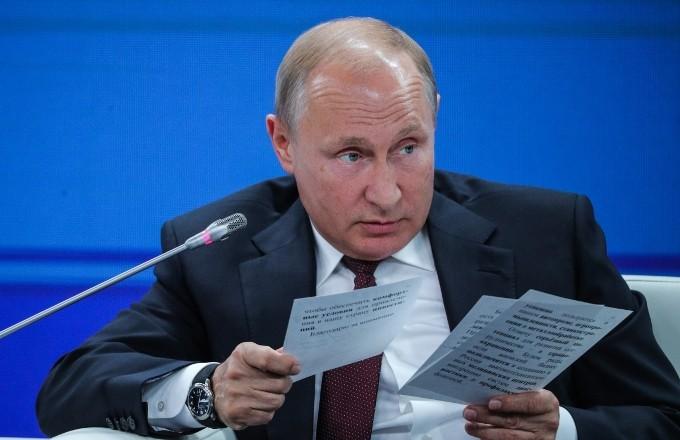 Путин же говорил: «Пока я президент, пенсионный возраст поднимать не буду»