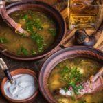 Суп с копчеными ребрами и огурцами