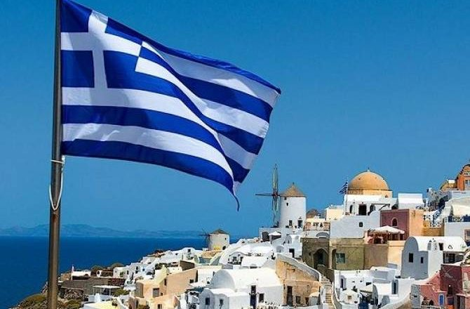 Греция начнет принимать по 500 россиян в неделю