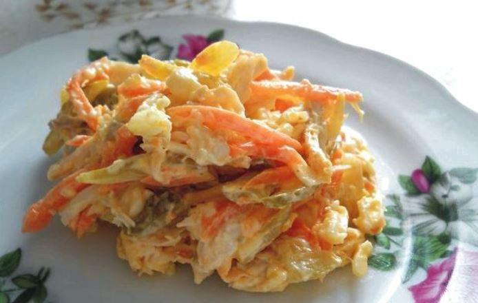 Рецепт салата «Лисичка» с корейской морковкой украсит стол на любое торжество