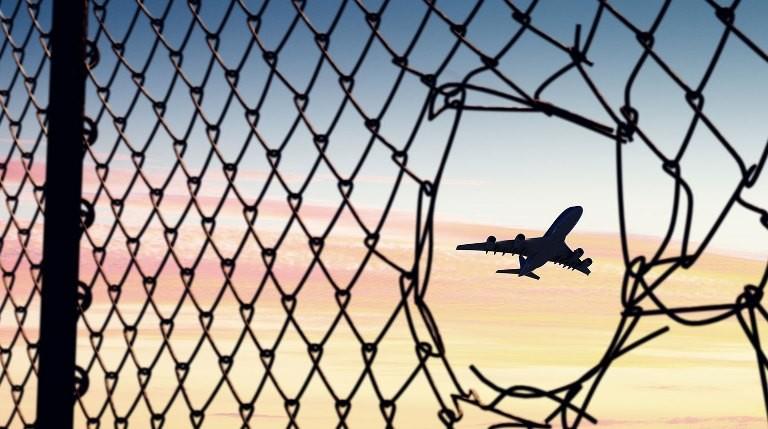 Россия возобновляет авиасообщение с Арменией и Азербайджаном