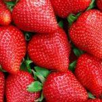 Как отличить клубнику с вредными добавками?