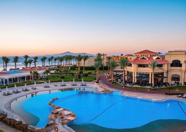 Почему в Египте нельзя купаться вечером и ночью ни в море, ни в отельных бассейнах