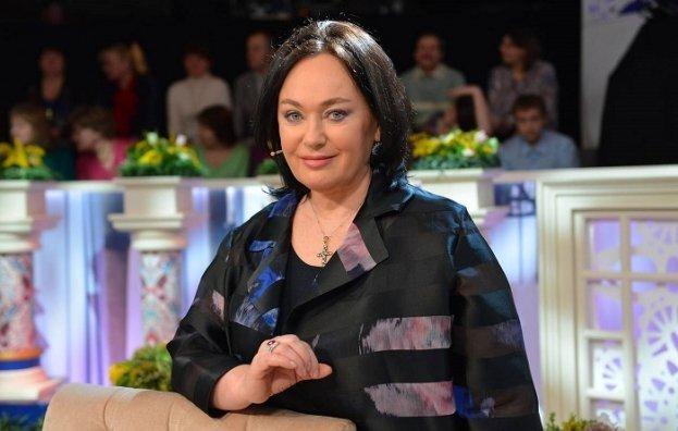 Ларисе Гузеевой стало хуже: телеведущей ввели новейший препарат, чтобы остановить поражение легких