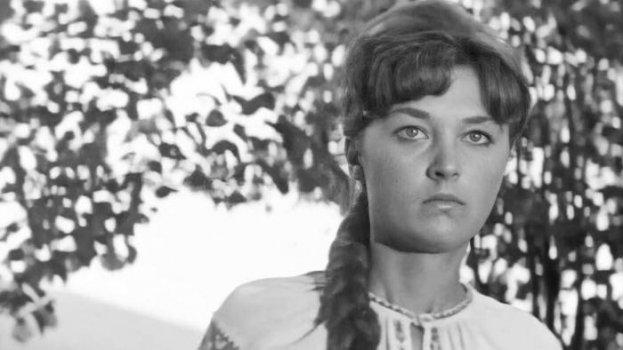 Актриса из «Служебного романа» умерла от COVID-19